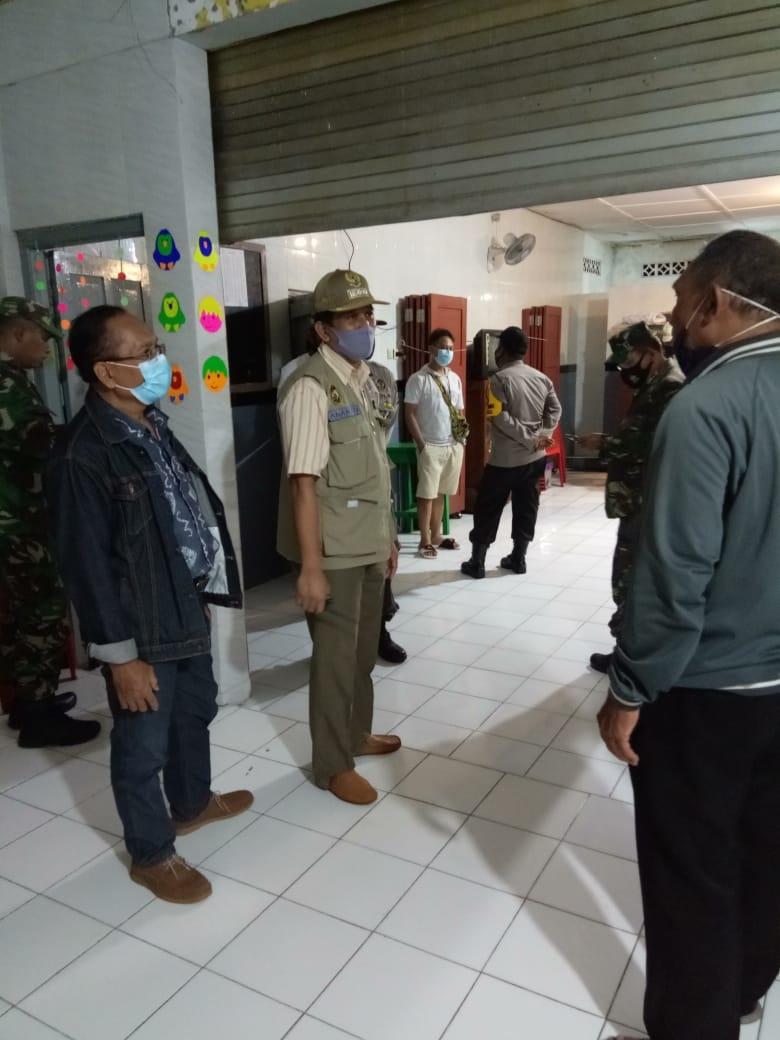 Kegiatan selama penegakan pelaksanaan PTKM di wilayah Kemantren Gedongtengen